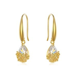 FASHION VINTAGE GOLD CARVED  EARRINGS